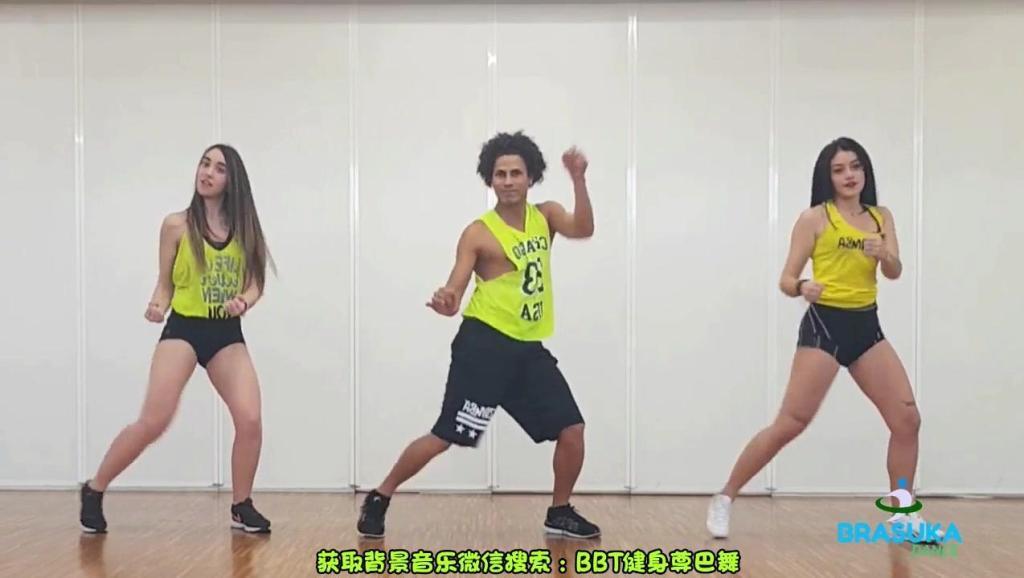 运动健身无止境,跟着视频跳瘦身减脂尊巴!