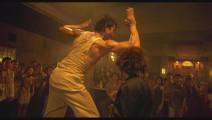 看托尼贾的泰拳就是一种享受,尤其是用关节击打的时候