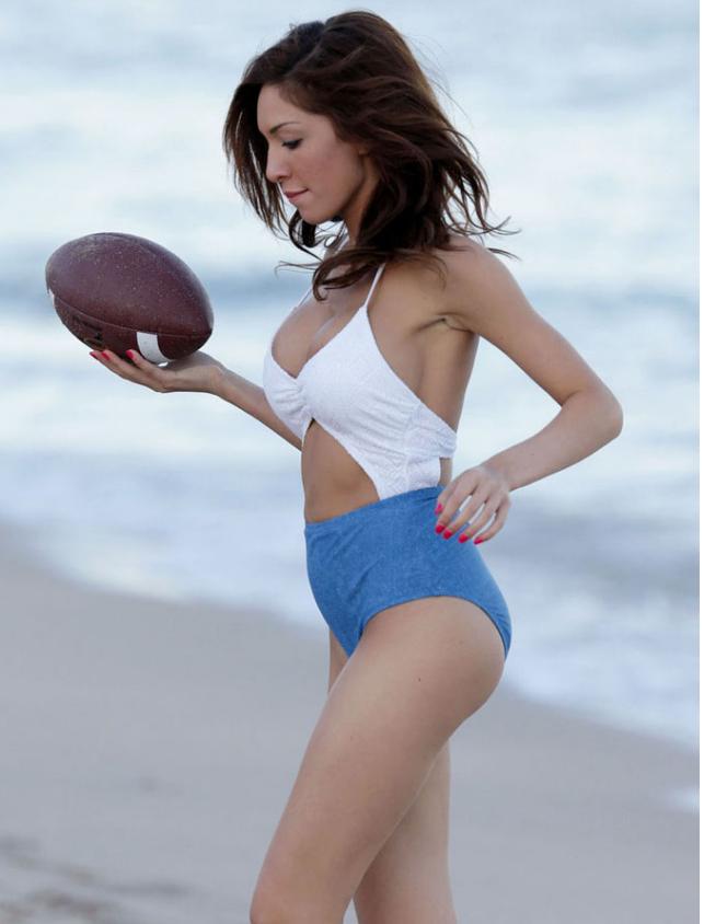 她是美国最性感女演员, 易拉罐身材让人心动, 甘蔗腿简直绝了