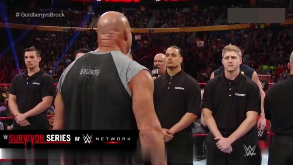 WWE: 半兽人布洛克看到十几个人都拦不住战神高柏!赶紧闪!