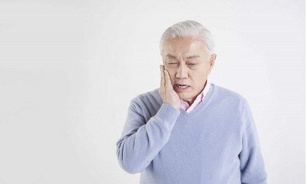 牙周炎要快治疗, 否则将要出现胃病