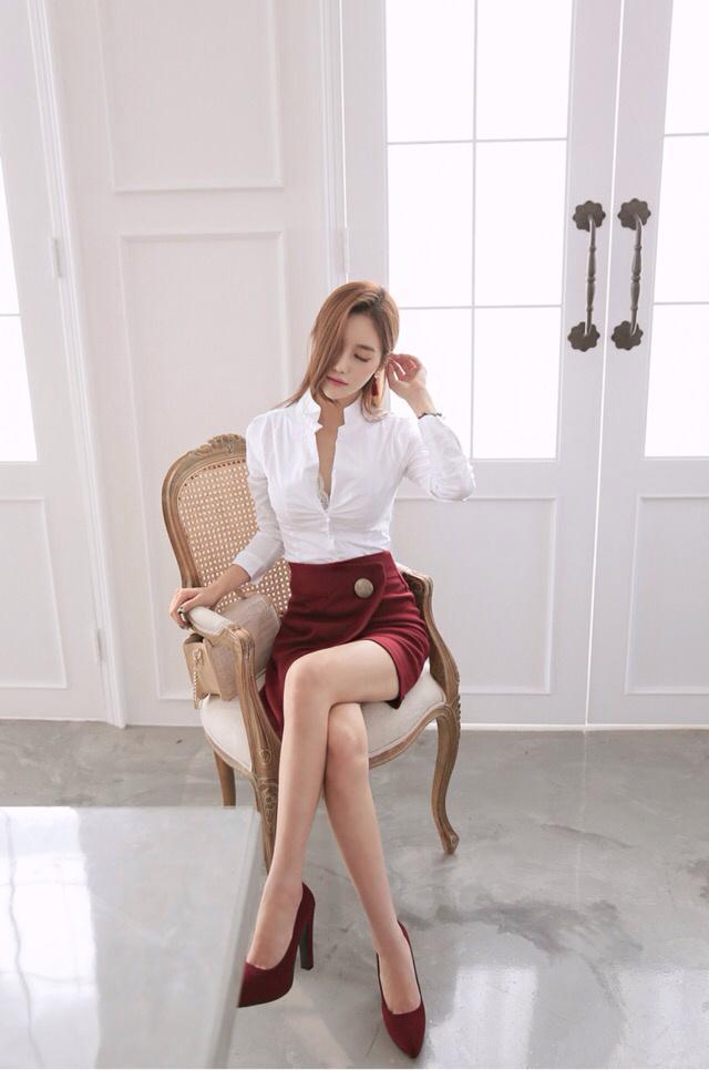孙允珠的大长腿高跟鞋 红色包臀裙 完美到爆图片