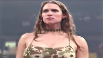 WWE第一口技大师,非巨石强森莫属,美人也不放过