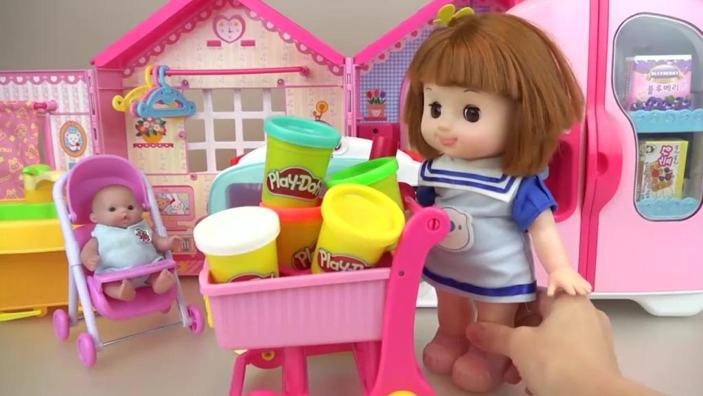 亲子互动,小萝莉用烤箱做美味饼干,真好吃