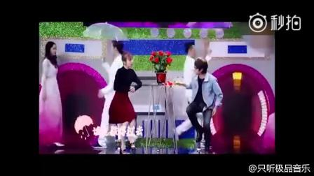韩寒吴昕演唱《在雨中》引全场欢呼,吴昕唱歌也没有那么难听啊!