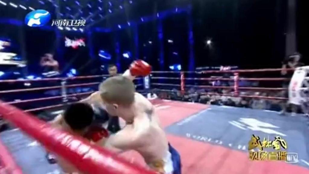 彻底打服KO中国拳王暴打KO欧洲世界冠军对手输的心服口服