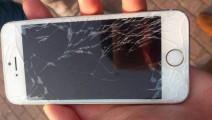 手机屏幕上有划痕,不要急你只需这样做,手机屏幕立即焕然一新
