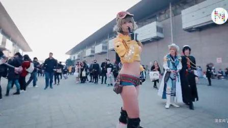 美团外卖漫展尬舞,原来妹子也可以出死侍的cosplay~