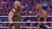 "WWE巨石强森联手""约翰塞纳"",真男人过招不需要语言"
