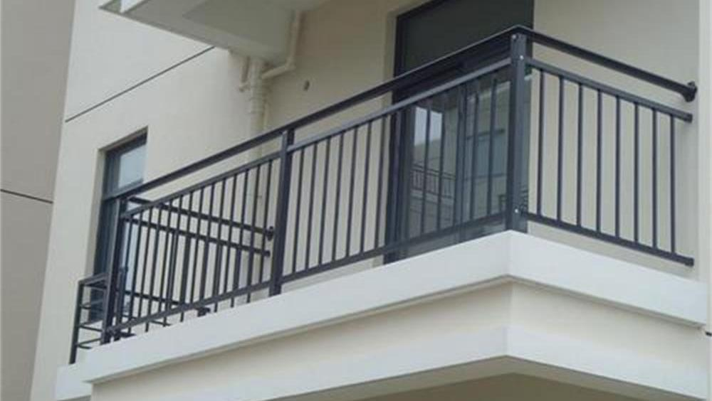 深圳 阳台栏杆缝隙过大 三岁女童坠楼身亡