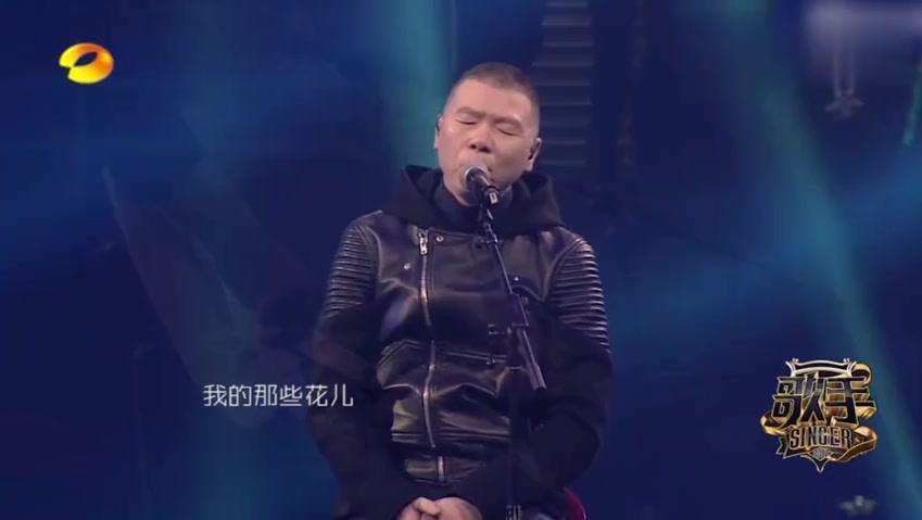 活久见!冯小刚导演居然参加《我是歌手》,更牛的是给观众唱哭了