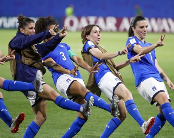 中国女足送西班牙碰夺冠热门, 不料自己也遇强敌! 锋线主力还有伤(图2)