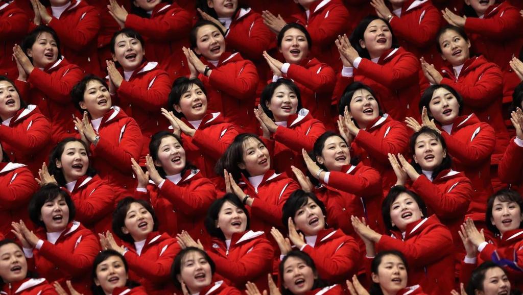 朝鲜啦啦队魔性助威 惊艳冬奥赛场