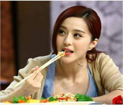 明星吃货排行榜, 鹿晗第四, 赵丽颖第二, 第一名是她!图片