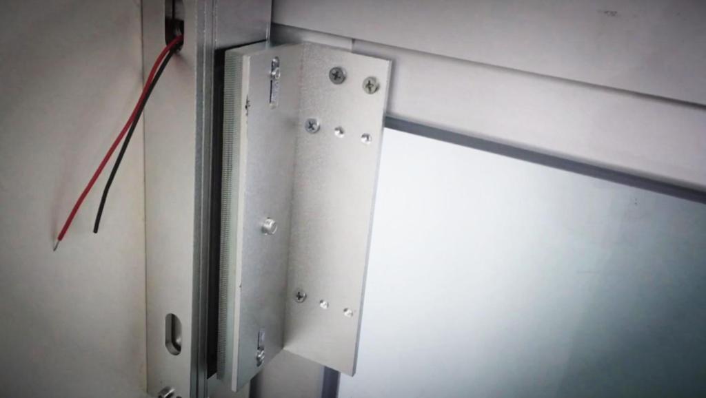大鱼FUN制造# 左右平移铝合金玻璃门——指纹门禁系统安装调试视频