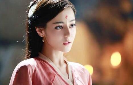 参加跑男的李沁是谁 为什么她坚持成为陈赫的队友