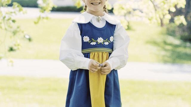 比夏洛特公主还美, 一出生就是未来女王 全世界最有权力的小公主,