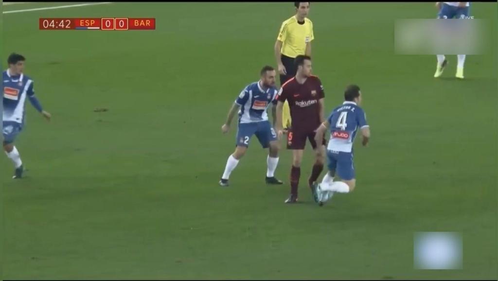 汤姆-拜尔足球训练1vs1对抗之快速变向突破(拨