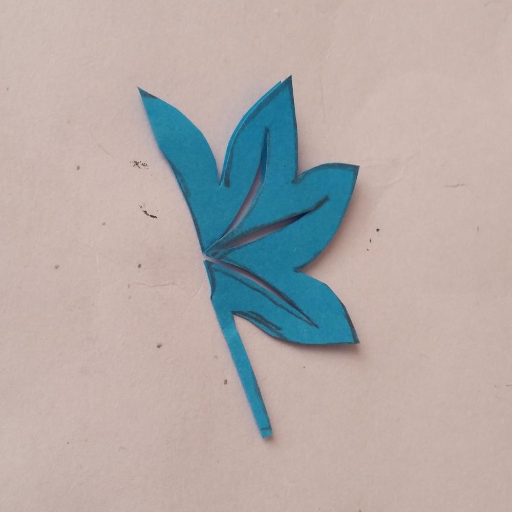 秋天幼儿手工剪纸叶子剪纸枫叶的剪法步骤