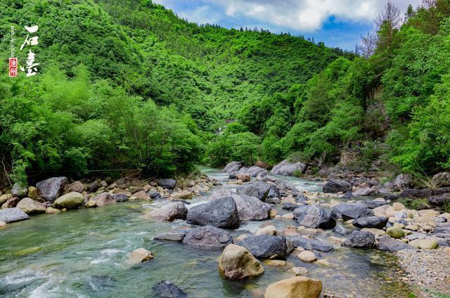 牯牛降共有四大核心景区,分别是龙门景区,双龙谷景区,灵山景区以及