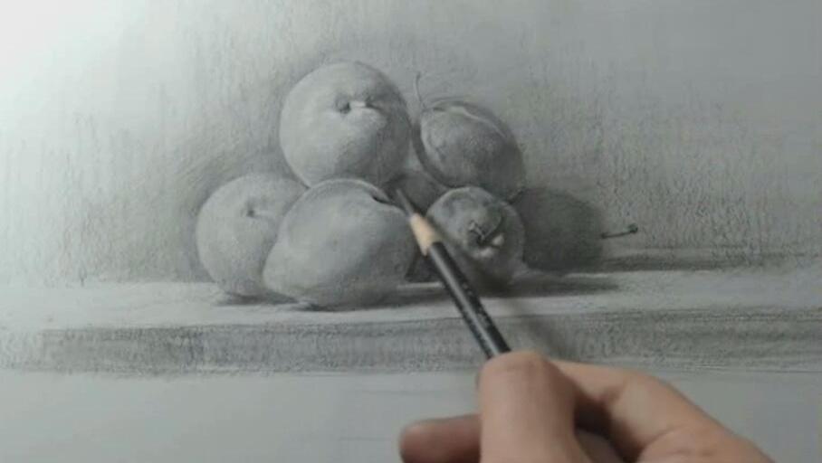 打开 素描静物起形: 水果拼盘基础起形,把握好大关系,水果才有体积感