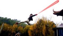 小伙用《风云》的英雄剑,练成旷世剑法!配上魔幻手机音乐,帅晕了