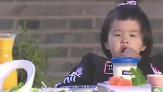 第11期饺子解说 WWE 08年 30人皇家大战(上)
