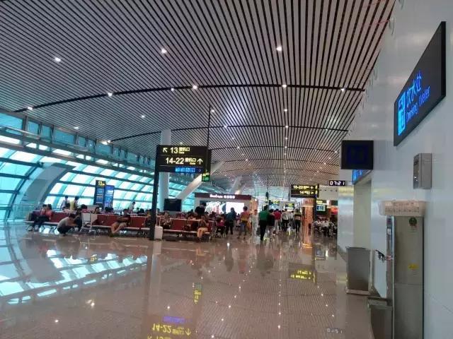 推荐 正文  南宁的第一座飞机场:吴圩国际机场 南宁吴圩机场于1958年