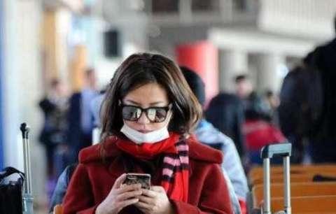 说起赵薇的机场素颜照