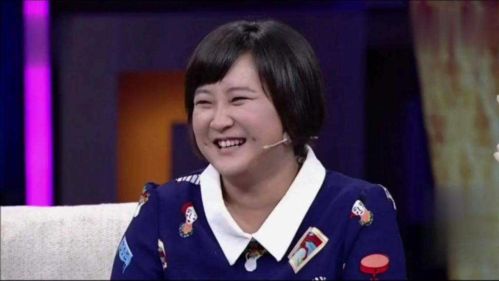 贾玲自曝上大学时青涩美丽,被冯巩收为徒弟,后来变胖冯老师都笑我