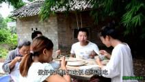 媳妇儿不想吃饭,农村小伙下厨做了一个家常菜,结果饭不够吃了