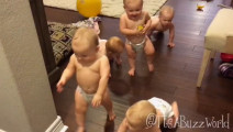 五胞胎刚洗完澡, 齐穿小裤头开耍了! 差点笑吐血! !