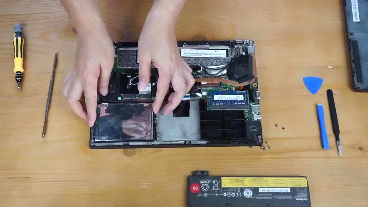 ThinkPad笔记本电脑大拆机! 没想到里面竟然这么简单? !