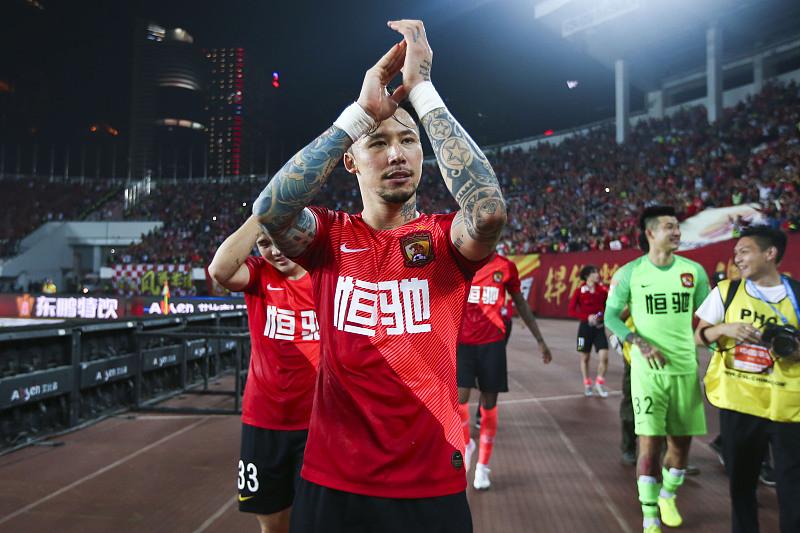 张琳芃最好右后卫被取代,京媒首推一人,球迷:都是在家虫在外龙
