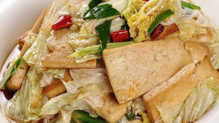 白菜炒豆腐,简单制作,味道超级棒