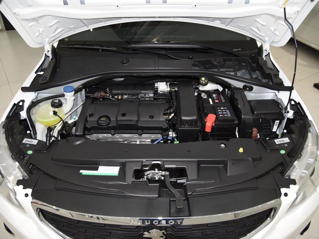 6的自然外加发动机,吸气五速动力变速箱,家用作为价格车是绰绰有余.宋max新能源手动图片
