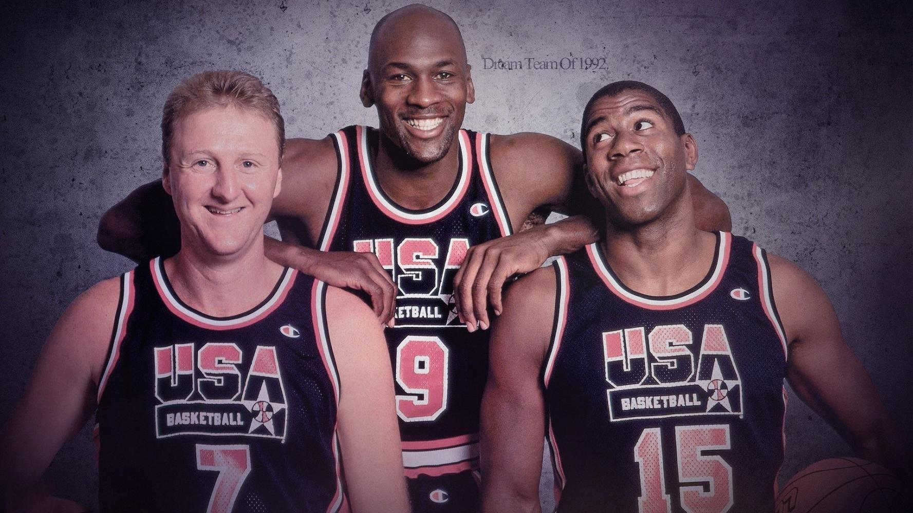 贾巴尔评价张伯伦_NBA史上最强的三中锋是谁-