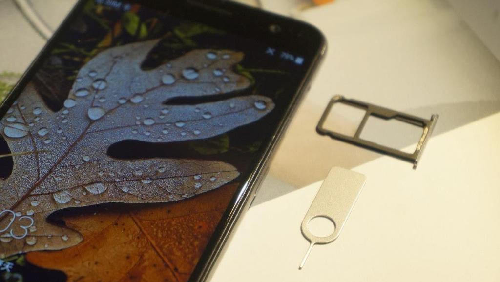 为什么苹果手机从来不能插两张手机卡?今天终于知道背后猫腻!