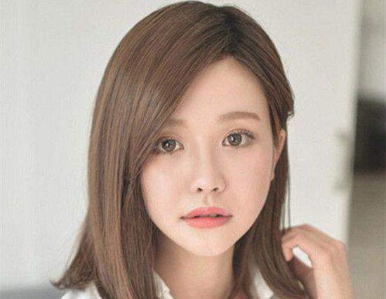 2017圆脸妹子齐肩发型图片 第六款最能修颜出小脸脸蛋