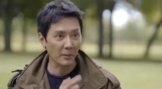 冯绍峰还曾提起到二胎的话题,自曝赵丽颖生娃时,而当时他的第一反应也十分搞笑