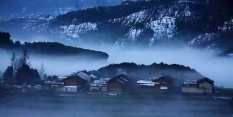 在云南,雪并不多见,大山包海拔3100-3140米,冬季这里是观赏雪景的