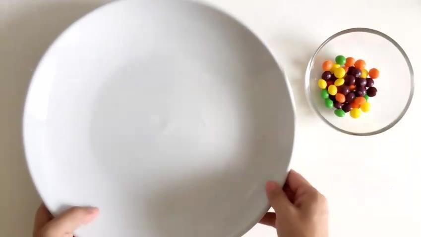 原来彩虹糖是这么玩的,那么多年一直都不知道,真的大开眼界哦