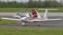 世界上最小的直升机,10分钟装好,折叠起来能放包里!