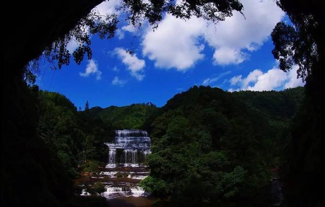 黄荆风景区位于泸州市古蔺县