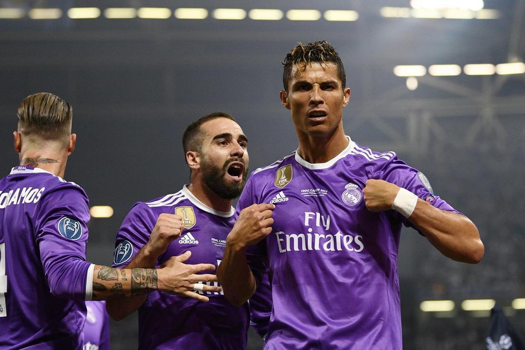 c罗成为欧冠改制后第一个三次在欧冠决赛中进球的球员!图片