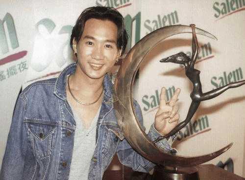 前10男歌手 周杰伦只能排第8 第1毫无争议图片