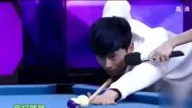 张杰节目中炫球技赢得众人阵阵尖叫,丁俊晖不甘示弱使出必杀技