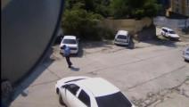 丰田小轿车刚把车停好 三秒钟后死神来了!
