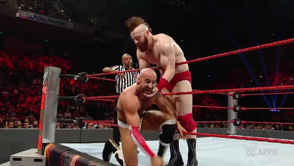 WWE RAW 9 12 七局四胜大战 凯萨罗再胜希莫斯挽救赛点