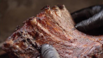 年薪百万大厨秘制烧烤,最正宗的美式烤肉,撕开的时候看呆了